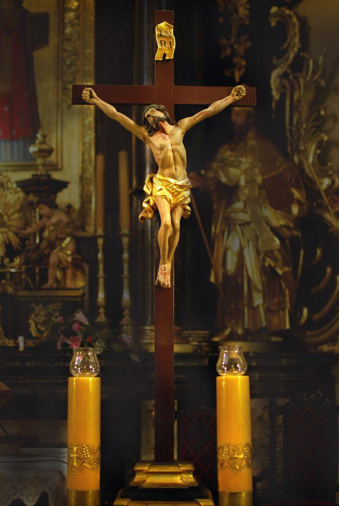 Krzyż Papieski w kościele św. Mikołaja….